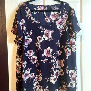 Torrid Size 2 Navy & Floral Dressy Top